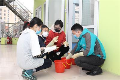 Tiến hành tổng vệ sinh toàn trường - phòng chống Virus Corona