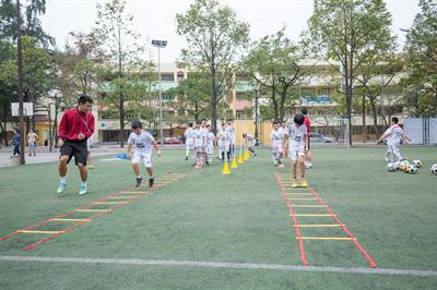 Lớp học bóng đá